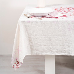 linen-light-pink-tablecloth