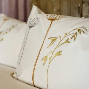 Beautiful Luxury bedding set gold