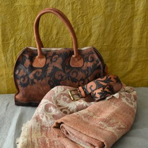 handmade leather bags bauletto Acanto