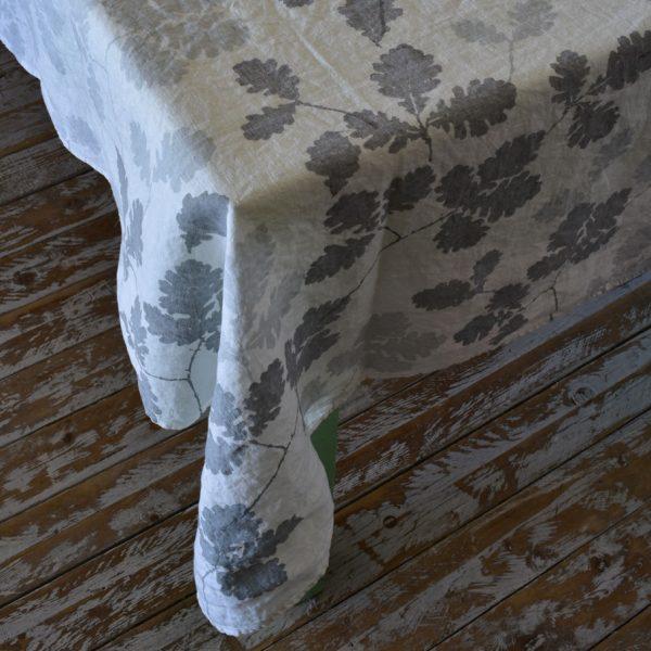 oak leaf tablecloth by bertozzi
