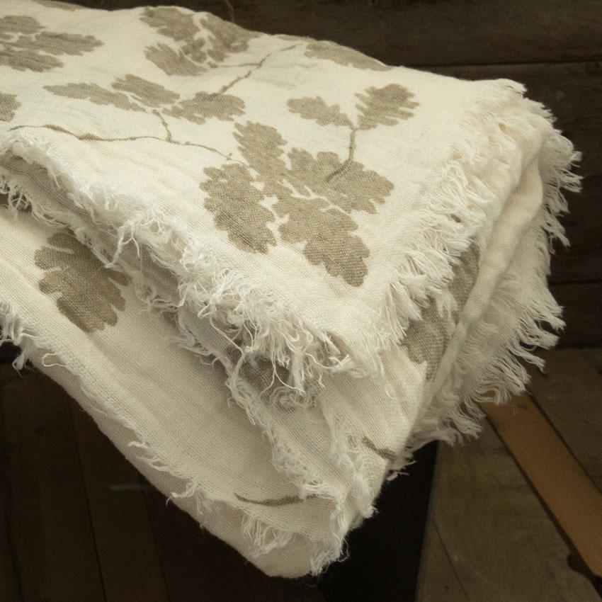 leaf motif linen blanket