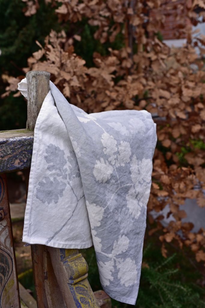 oak leaves linen towels Bertozzi