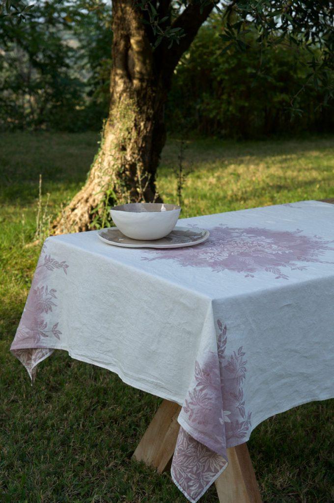 Bertozzi linen tablecloths