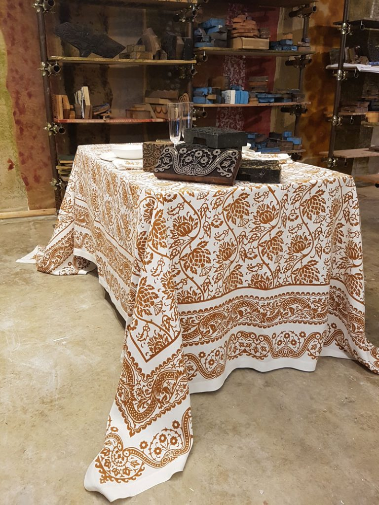 Bertozzi linen tablecloths rust