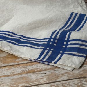 Bertozzi dark blue linen towels