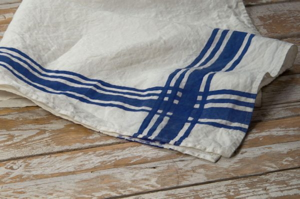 Bertozzi dark blue linen towels