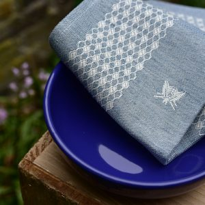 Pardi bees tea towels