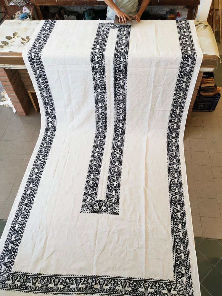 Bertozzi blue linen tablecloth