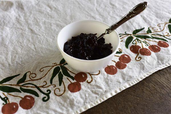 fine linen tea towel cherry design